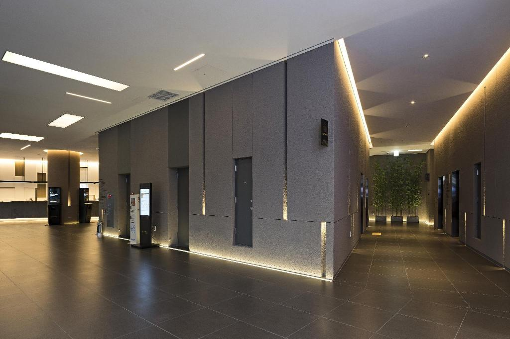 Lobby Nine Tree Premier Hotel Myeong dong 2