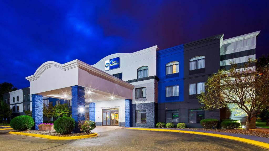Best Western Regency Plaza Hotel St. Paul East