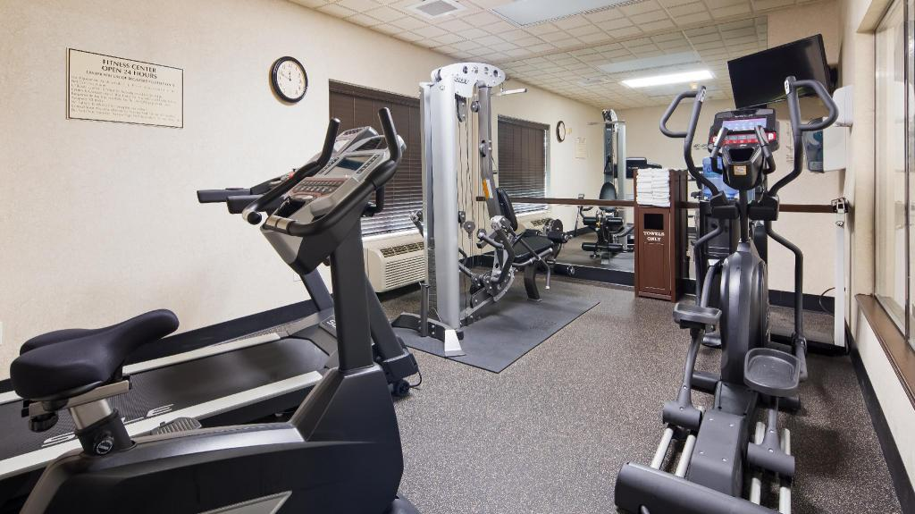 Fitness center Best Western Regency Plaza Hotel St. Paul East