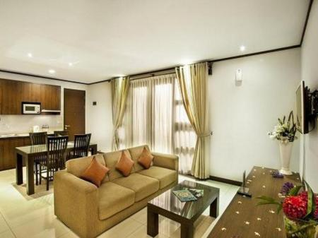Lobi Summer Hill Private Villas & Family Hotel