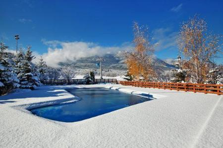 Swimming pool Kempinski Hotel Grand Arena Bansko