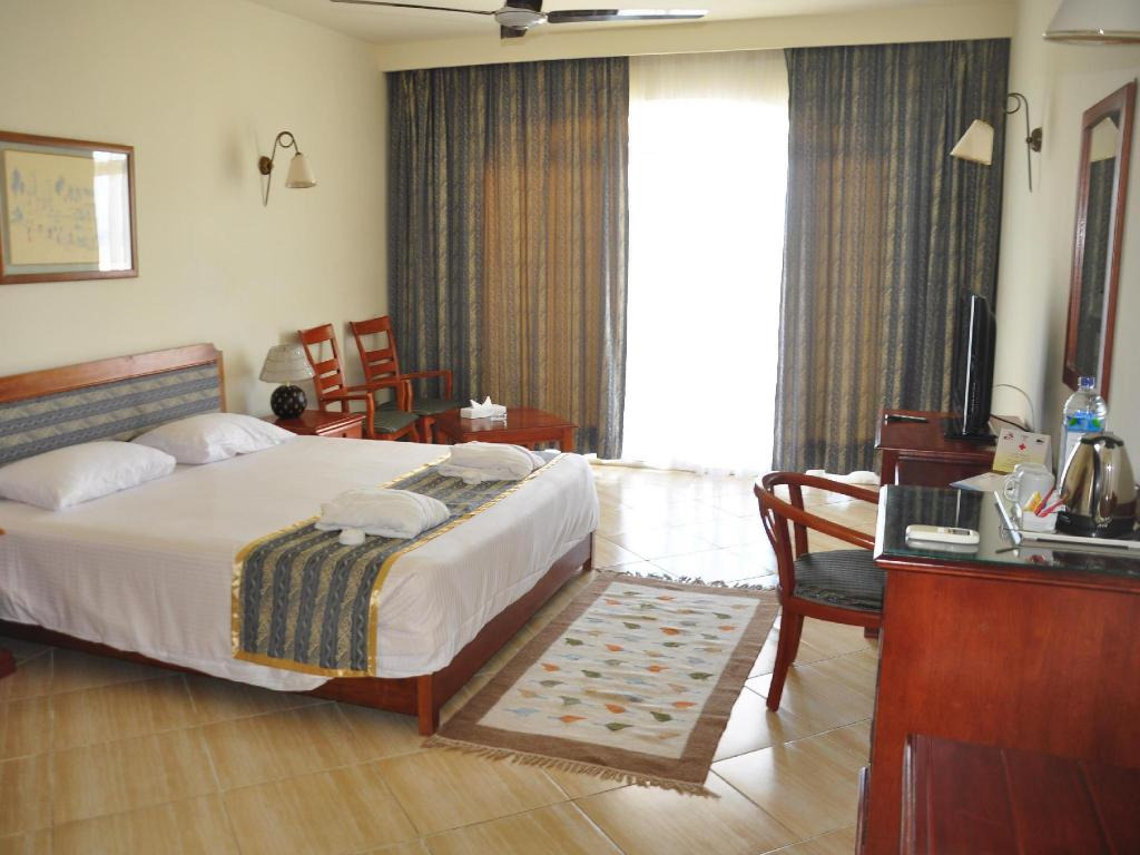 Standard Double Room with Garden View - Guestroom Harmony Makadi Bay Hotel