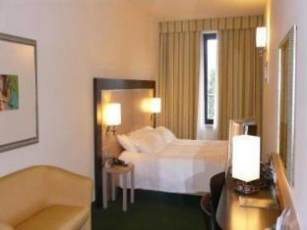 Single - Guestroom Clarion Collection Hotel Griso