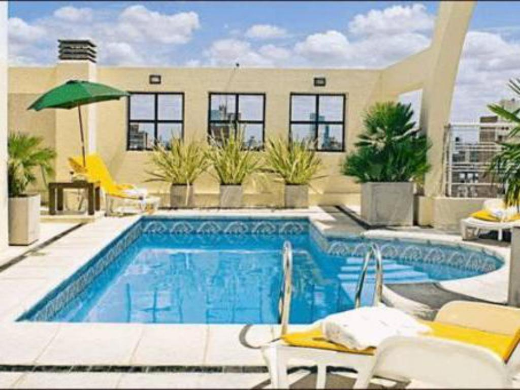 Swimming pool Urquiza Apart Hotel & Suites