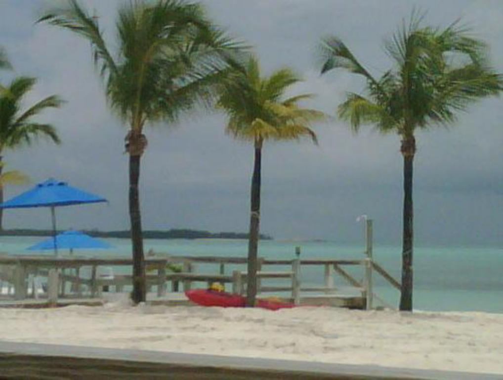 strand Bahama Beach Club Resort