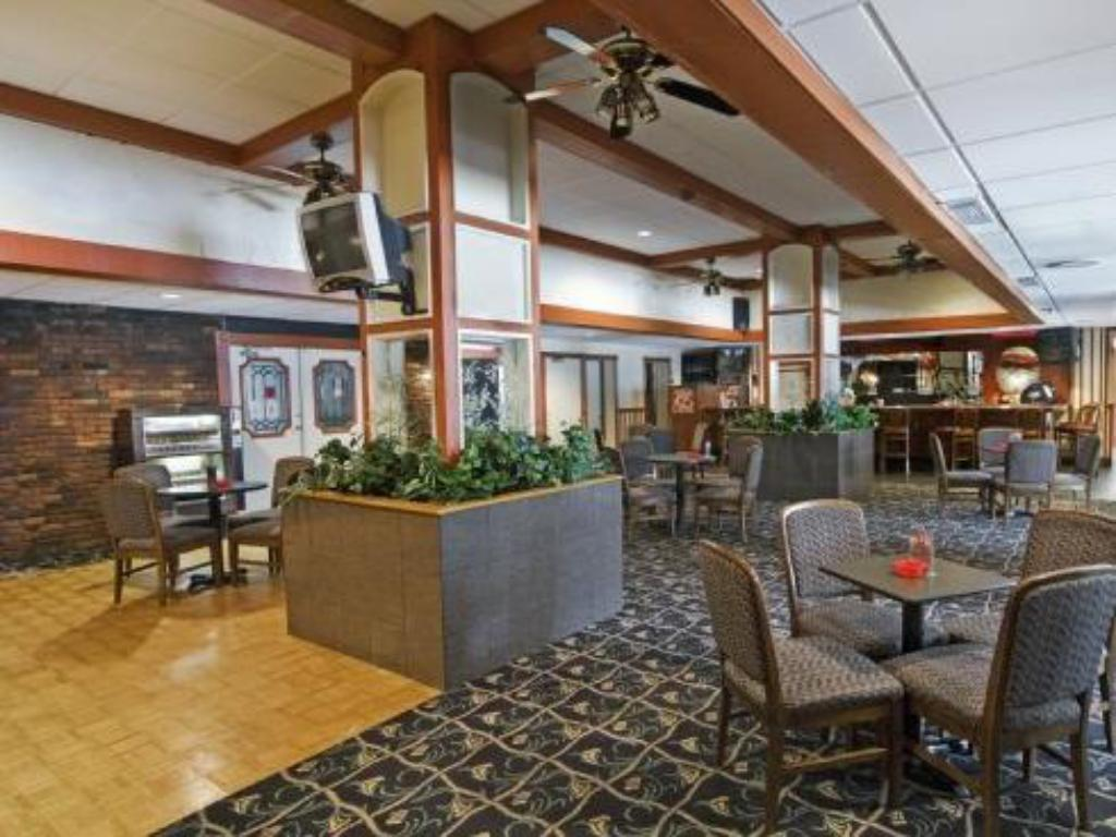 Airport Plaza Inn Best Price On Airport Plaza Inn In Saint Louis Mo Reviews
