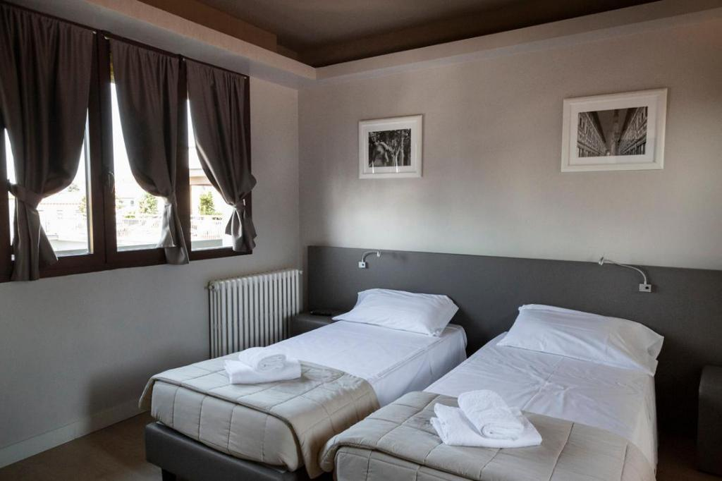 Plus Florence Hostel In Italy Room Deals Photos Reviews