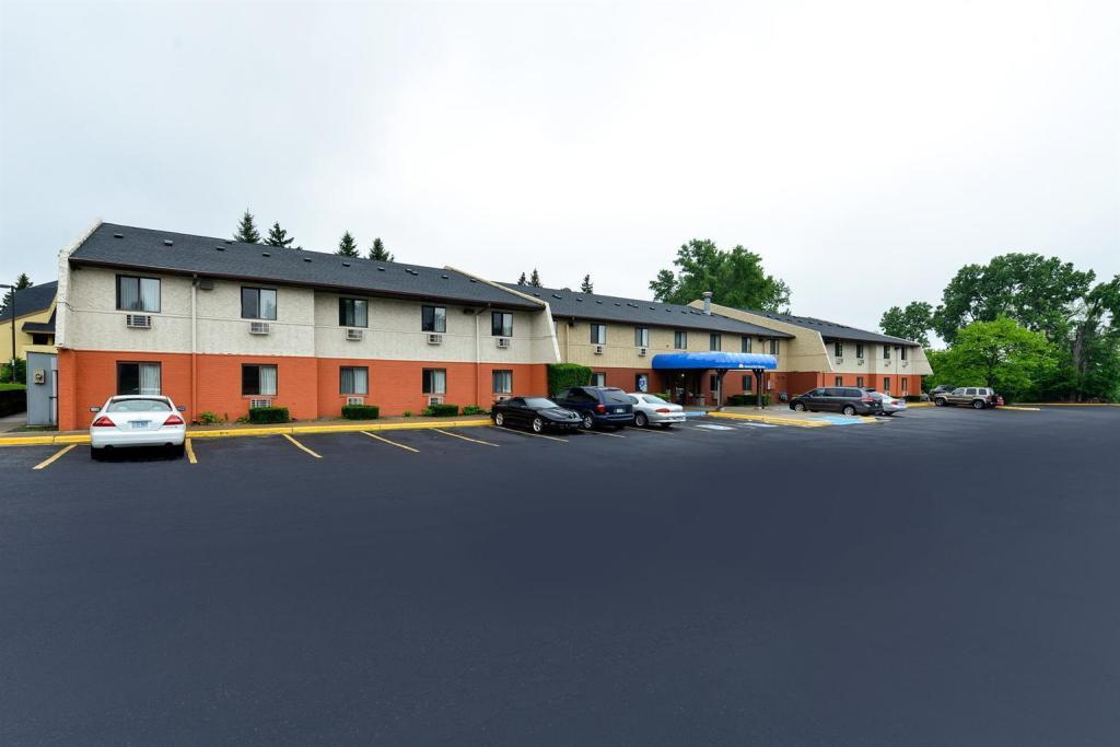 Americas Best Value Inn - Burnsville, MN