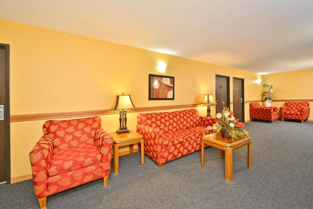 Lobi Americas Best Value Inn - Burnsville, MN