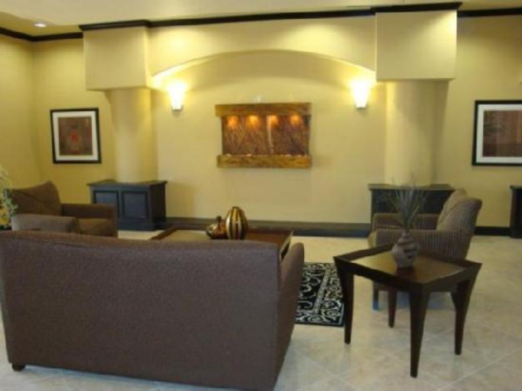 Lobby La Quinta Inn & Suites Fairfield