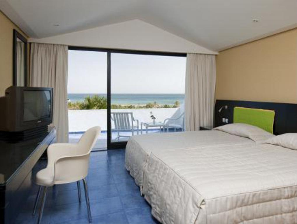 Standard Double Room with Garden View Sentido Phenicia