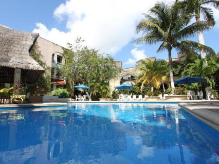 Swimming pool Hotel Plaza Caribe Cancun
