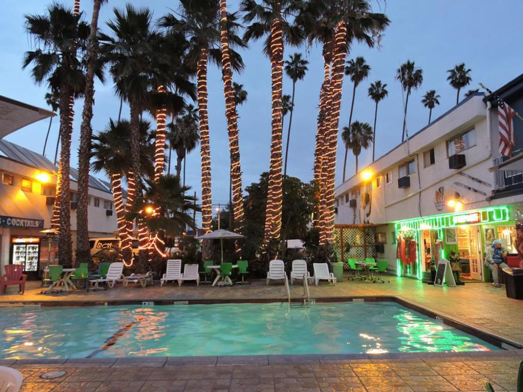 Best Price On Tradewinds Airport Hotel In Los Angeles Ca
