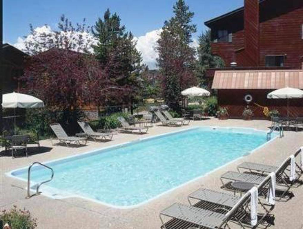 Swimming pool Waterford by Wyndham Vacation Rentals