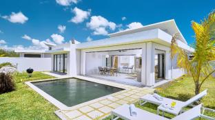 Corail Bleu Private Pool & Garden Villas by LOV