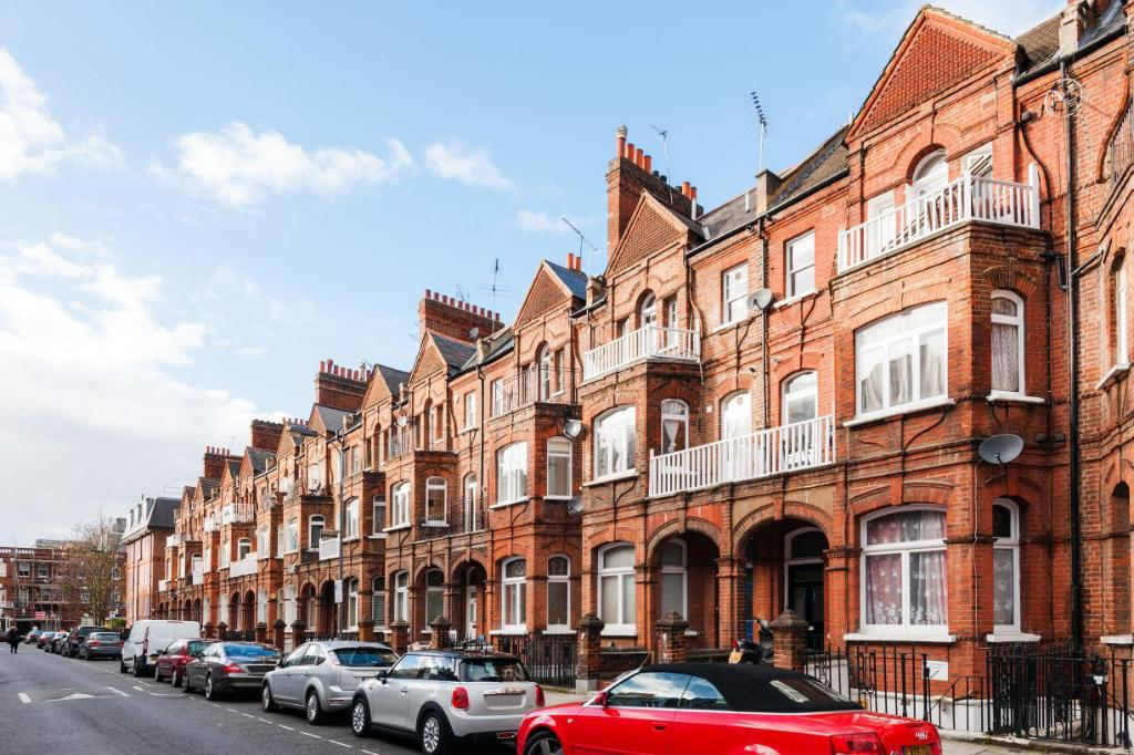 FG Property - The Barons Court Lodge I