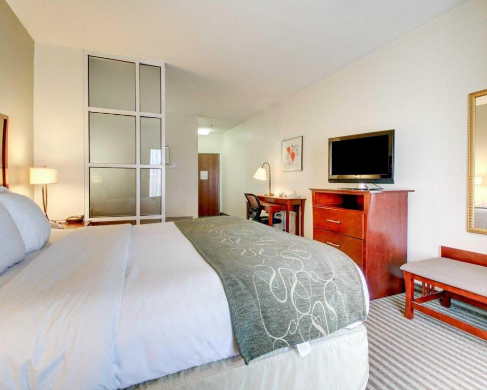 See all 30 photos Comfort Suites Vicksburg