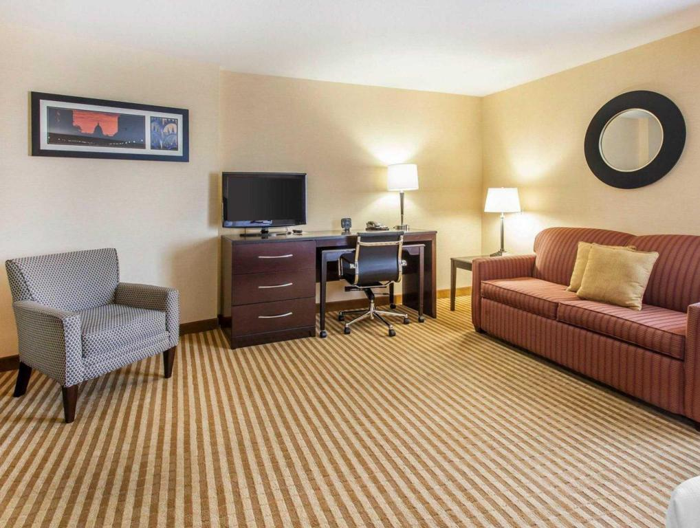 Hotellet indefra Comfort Suites Wenatchee