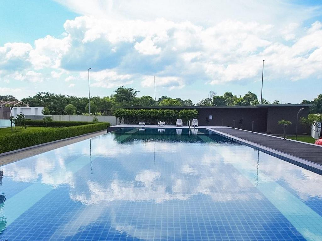 Swimming pool [outdoor] Greenwich South Condominium