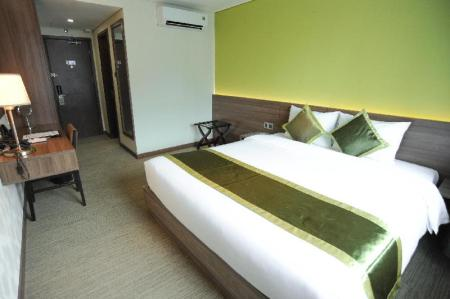 Executive Suite Room, Tower Lounge access lounge access Hotel Kuretakeso Tho Nhuom 84