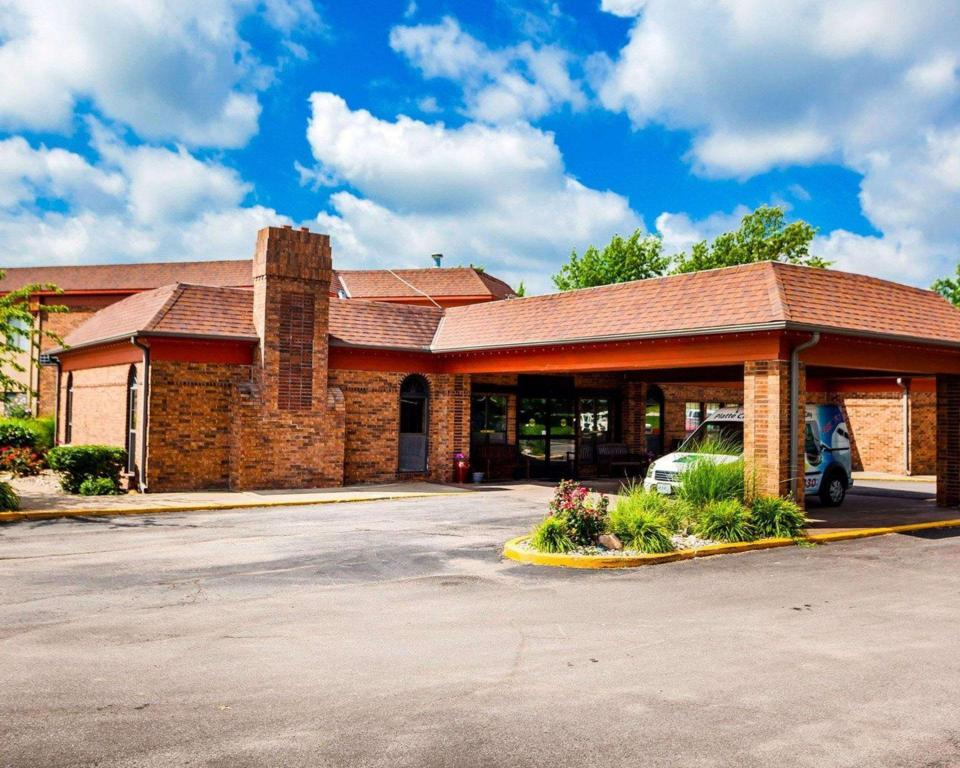 Quality Inn & Suites Kansas City Airport North