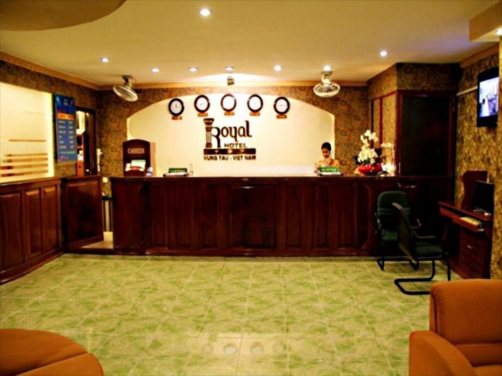 Lobi Royal Hotel