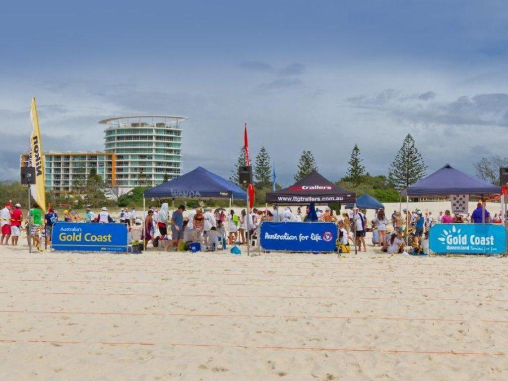 strand Kirra Beach Apartments