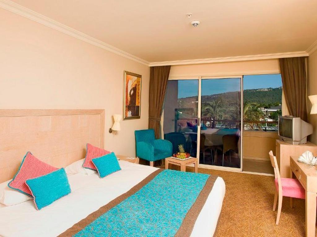 Crystal De Luxe Resort Spa In Kemer Room Deals Photos Reviews