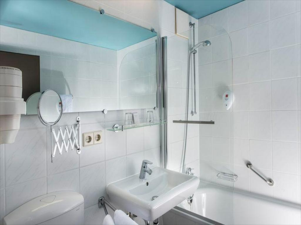 Baño City Hotel Berlin East