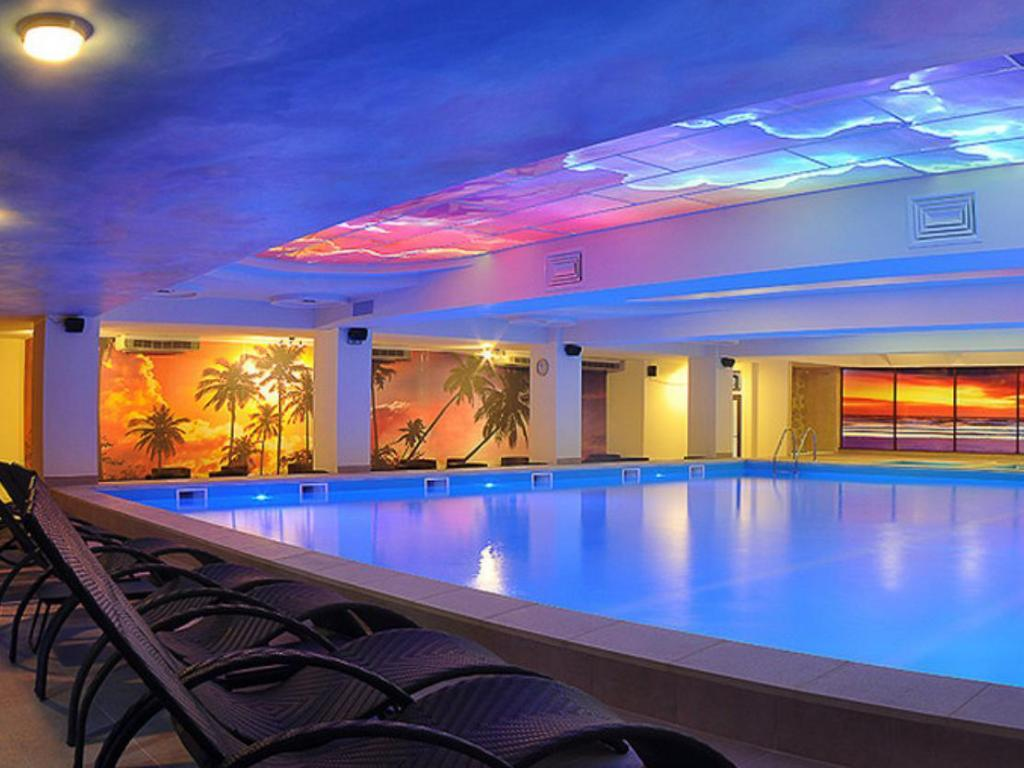 North star continental resort in timisoara room deals - North east hotels with swimming pool ...