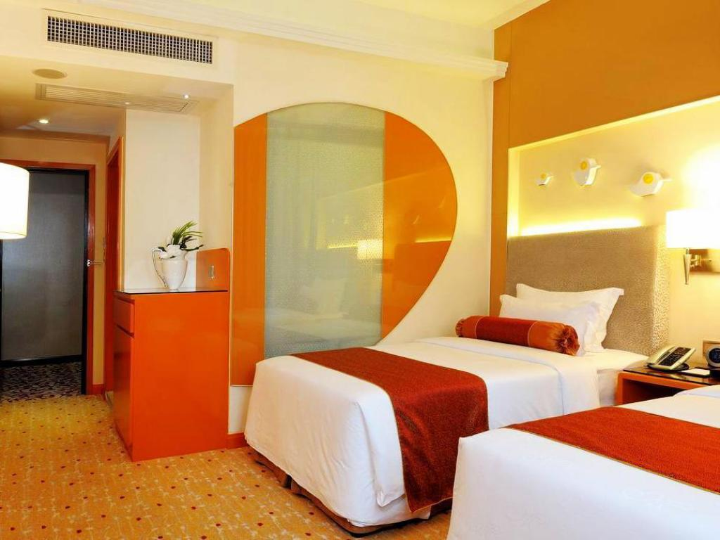 See all 6 photos Metropole Hotel