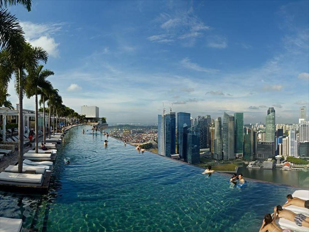 Marina bay sands in singapore room deals photos reviews - Rooftop swimming pool in singapore ...