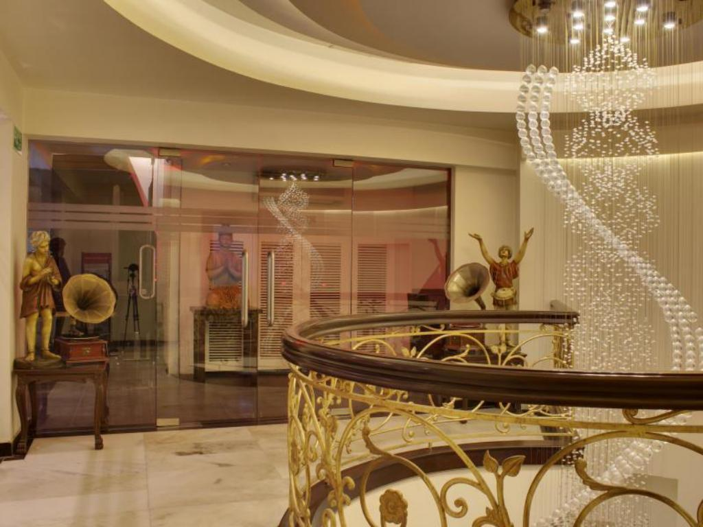 Hotel Grand Godwin New Delhi Reviews