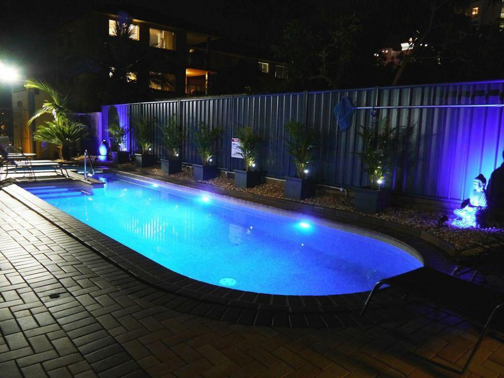 Portobello resort apartments in gold coast room deals photos reviews for Portobello outdoor swimming pool