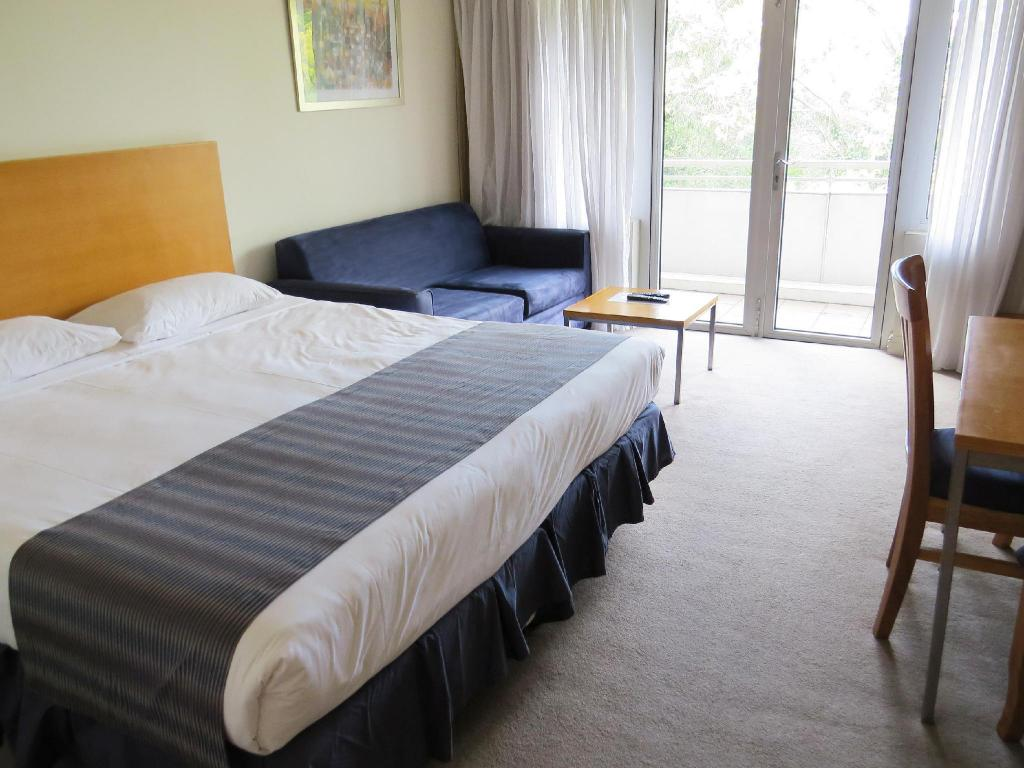 Studio Apartment - Bed Waldorf Pennant Hills Apartment Hotel