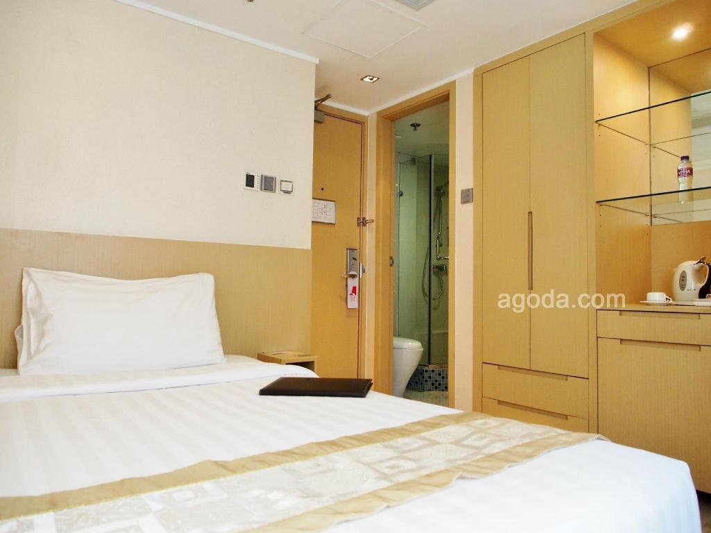 Kamar Standard Single Hotel Benito