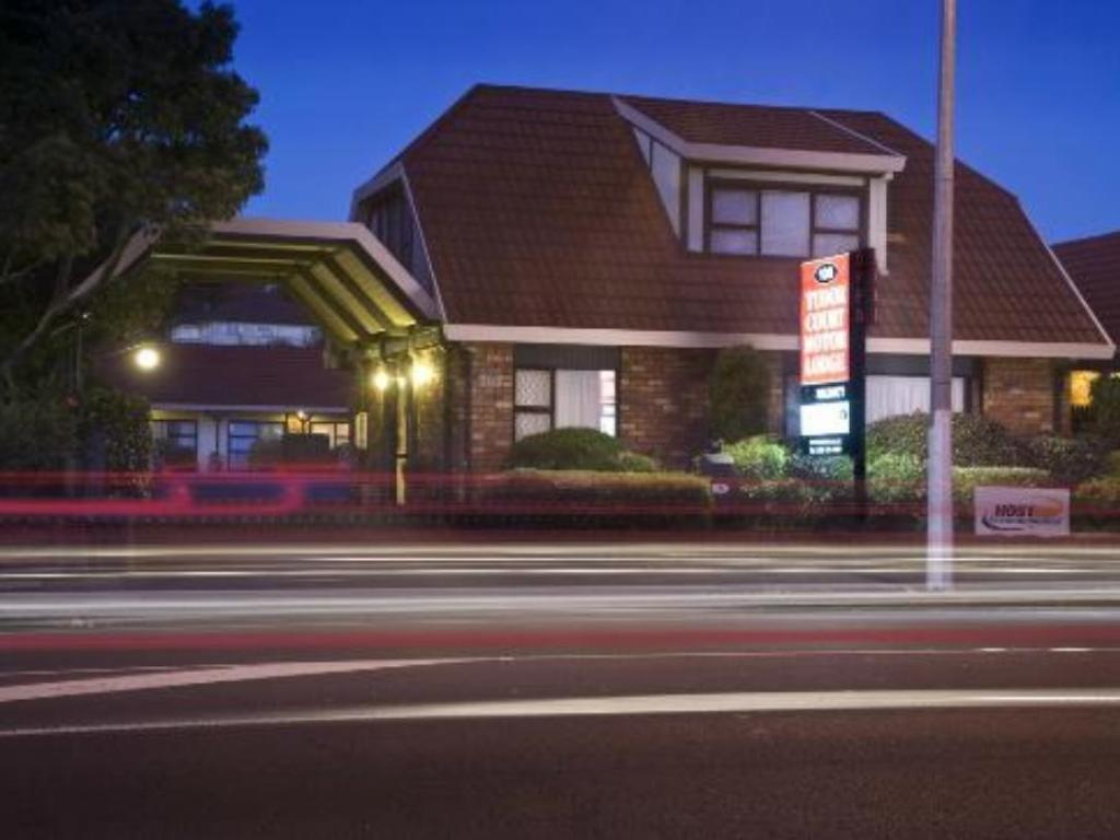 Tudor Court Motor Lodge Hotel