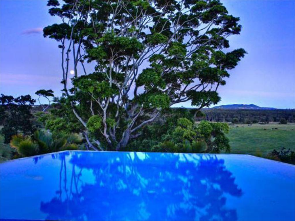 Swimming pool La Vista Byron Bay Villas