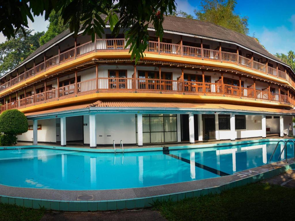 Best Price On Hotel Hilltop In Kandy Reviews