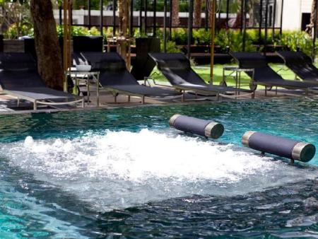 Swimming pool [outdoor] 12th Avenue Hotel Bangkok