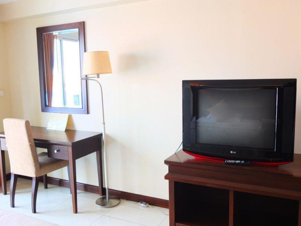 Hotellet indefra August Suites Pattaya