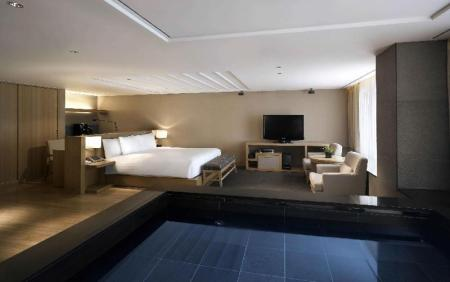 Banyan Pool Deluxe Room - Guestroom Banyan Tree Club & Spa Seoul