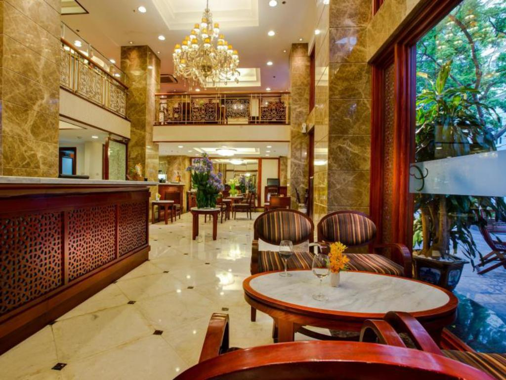 Lobby Conifer Boutique Hotel