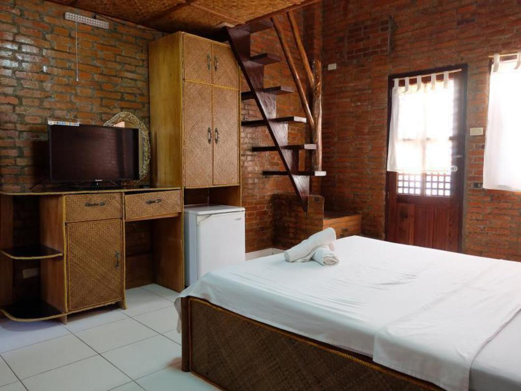 Best Price on Marina de Bay Resort and Spa in Palawan + Reviews!