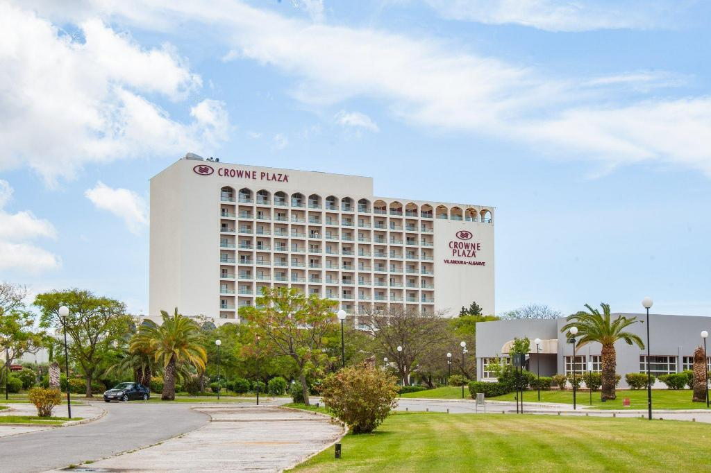 More about Crowne Plaza Vilamoura