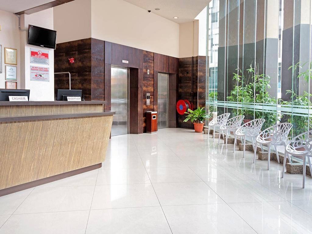 Lobby Hotel Summer View