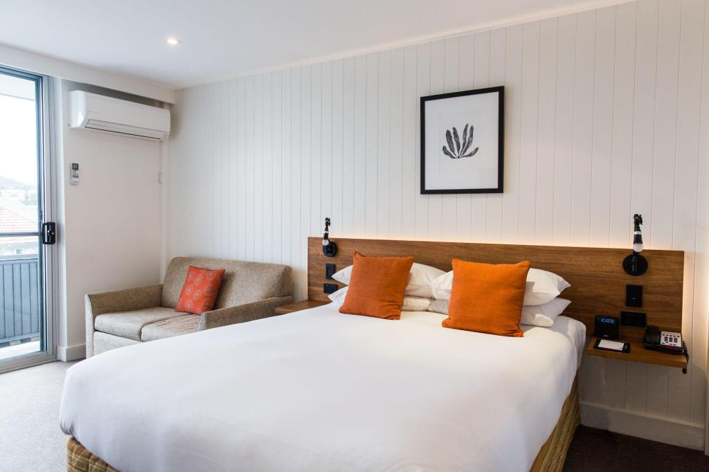 City View Queen - Bed Hotel Nelson