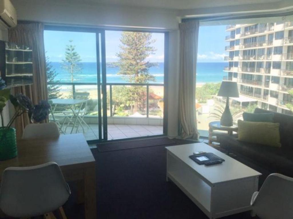 1 Bedroom Apartment - View Emerald Sands Boutique Apartments