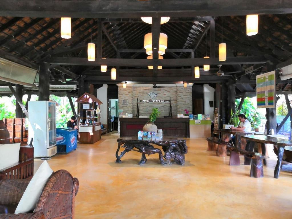 Lobby Seashell Resort