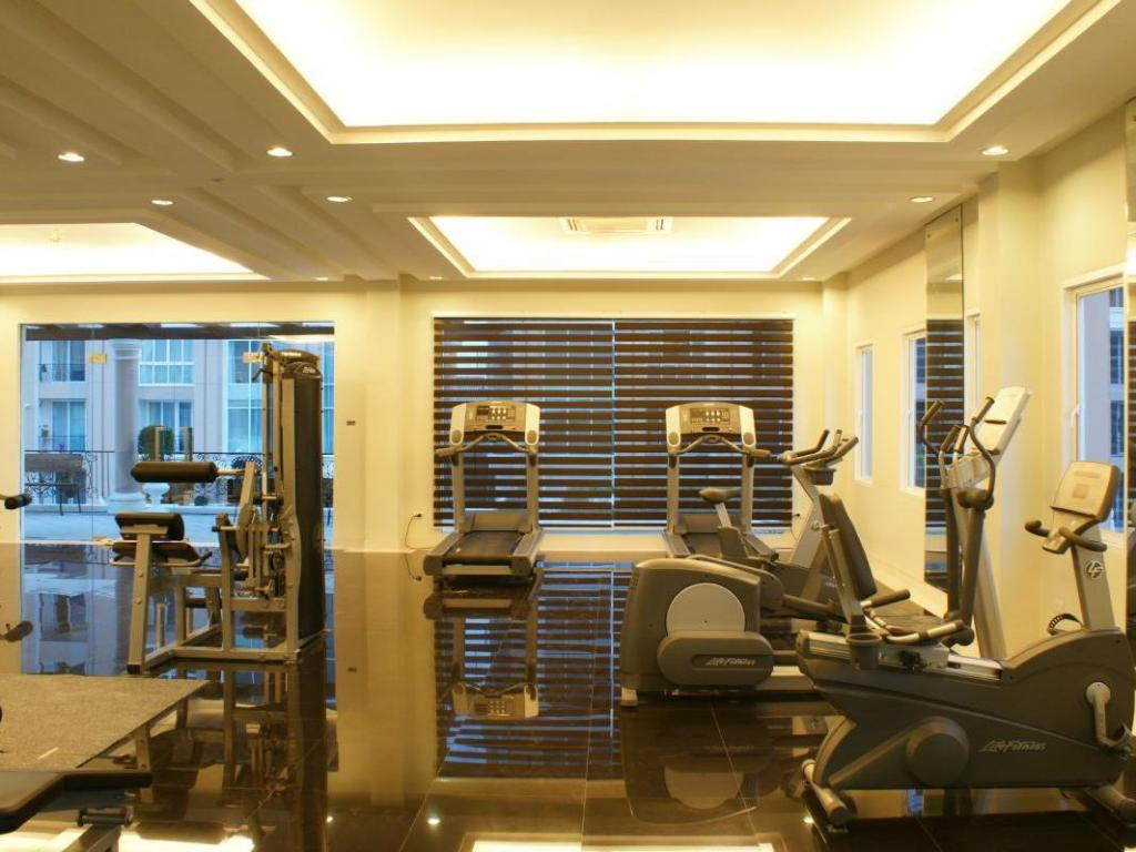 Fitness center LK Legend Hotel